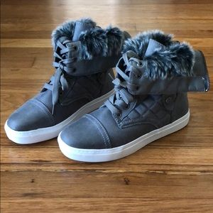 Gray/Taupe Zipper Back Ankle Boots Lace-Up Fur NEW